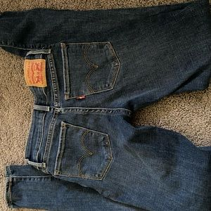 Levi's Jeans.